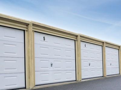 design garážových vrat kazeta (barva bílá)