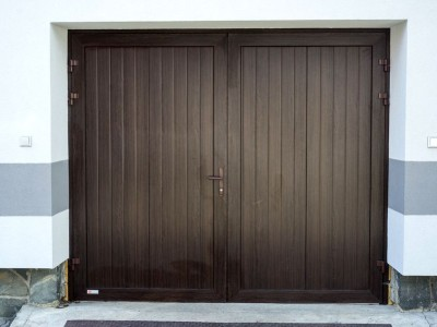 Dvoukřídlá vrata s panely design lamela
